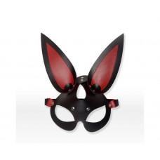 Черно-красная эффектная маска Зайка
